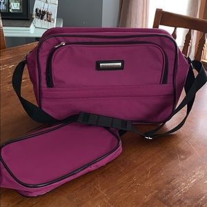 NWOT Stanton purple 2 piece carry on